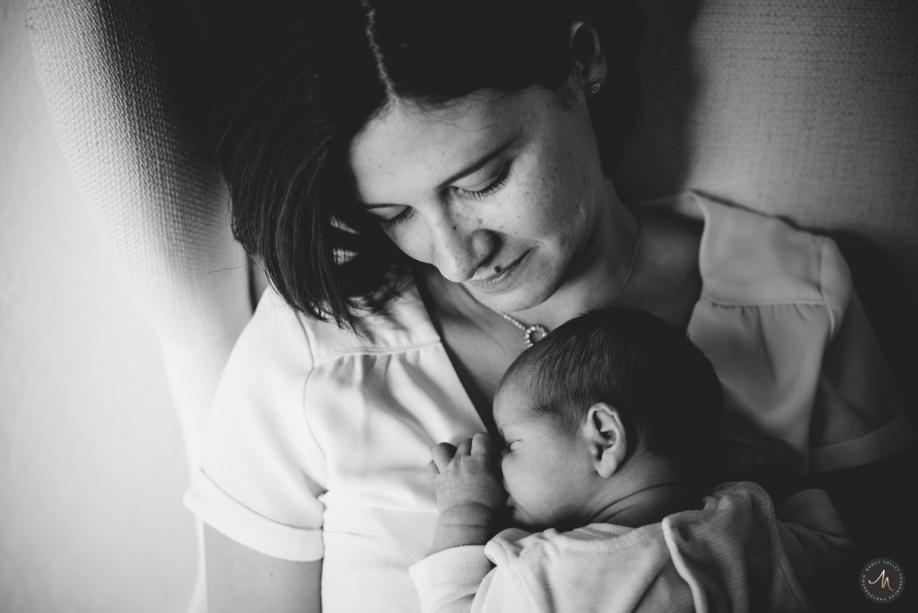 Séance bébé domicile Aix - Nancy Touranche Collet