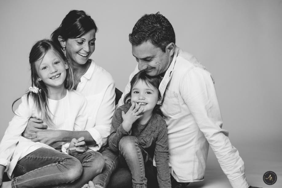 Séance famille au Studio Avignon - Nancy Touranche Collet